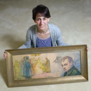 eliz-rynecki-with-art